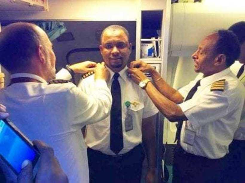 Од работа нема срам: Пред 24 години бил чистач, а денес стана капетан на истиот авион