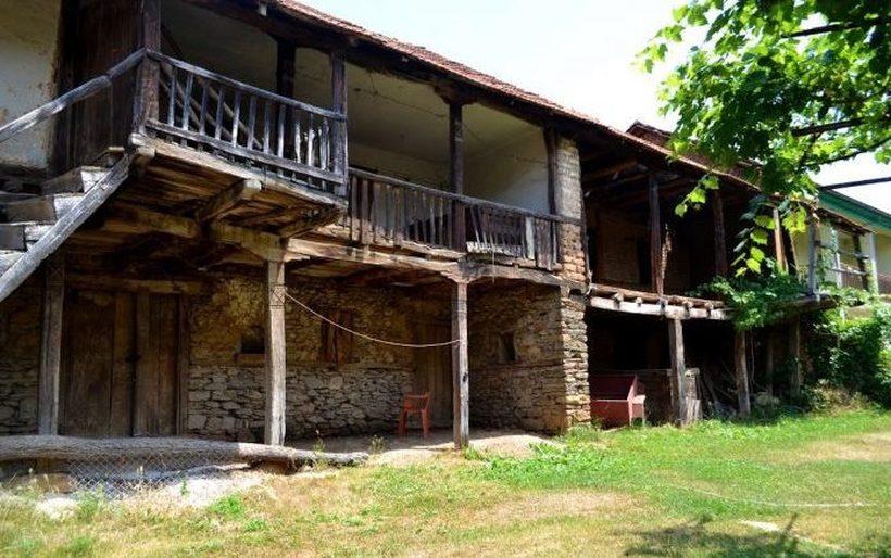Државата дава до 200.000 денари ако стара куќа на село пренамените во туристички апартман
