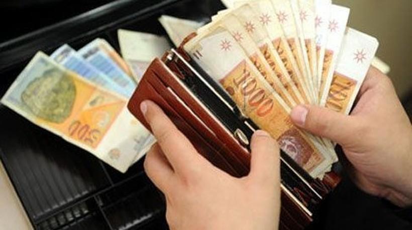 Усвоено: 6.000 денари на картички добиваат пензионери, невработени, студенти - вкупно 280.000 луѓе