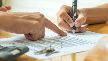 Дали имате право да се откажете од кредитот иако сте потпишале договор?