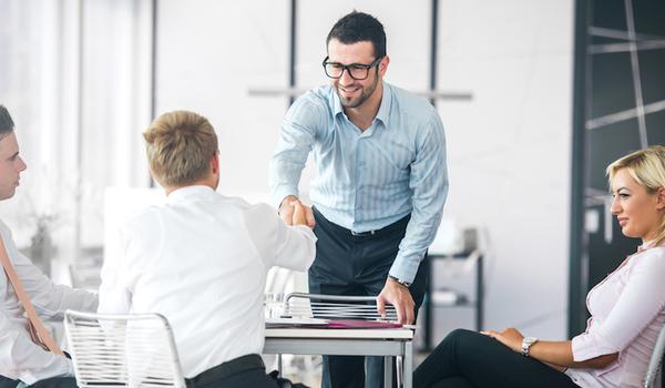 10 најчести прашања што работодавачите ги поставуваат: Совети и примери како да одговорите на нив