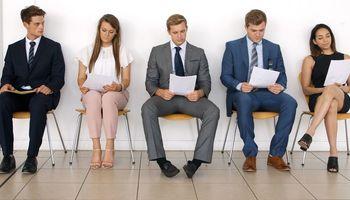 Невербална комуникација – 7 работи што не треба да ги правите на интервју за работа