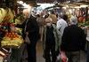 Дали зелените пазари и трговските центри ќе стават клуч во неделите – се прават анализи