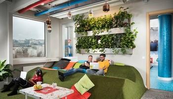 Секој вработен во Google ќе добие по 1.000 долари за да си купи нов канцелариски мебел