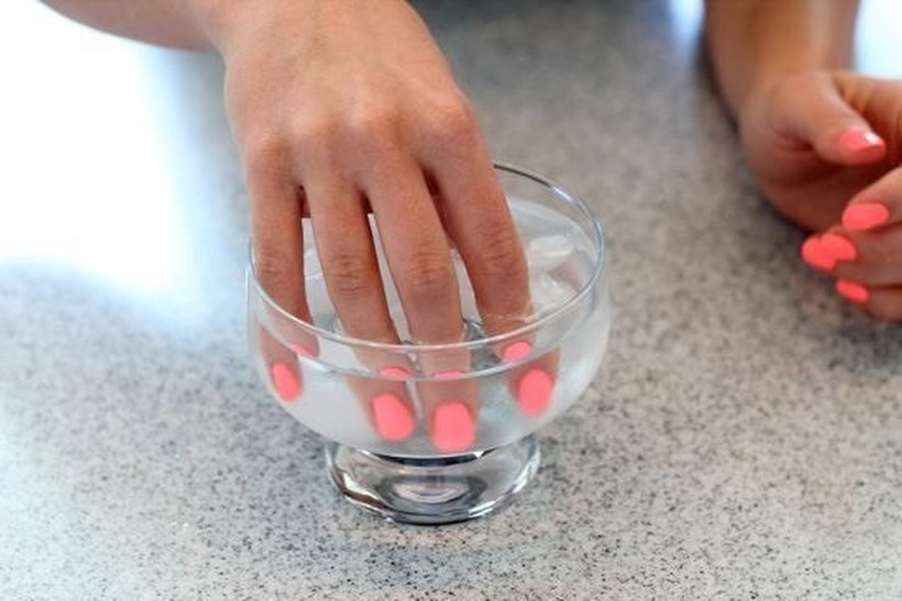 Натопете ги врвовите од прстите во ладна вода – за 30 секунди ќе знаете дали сте здрави